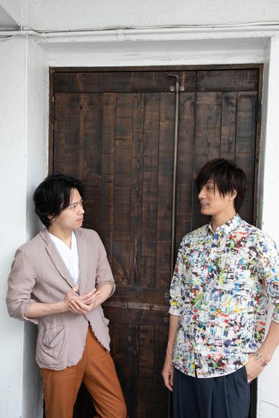 中川晃教さん(左)と加藤和樹さん(右)=撮影・岩村美佳