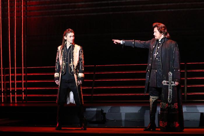 (左より)古川雄大さん、山口祐一郎さん=写真提供:東宝演劇部