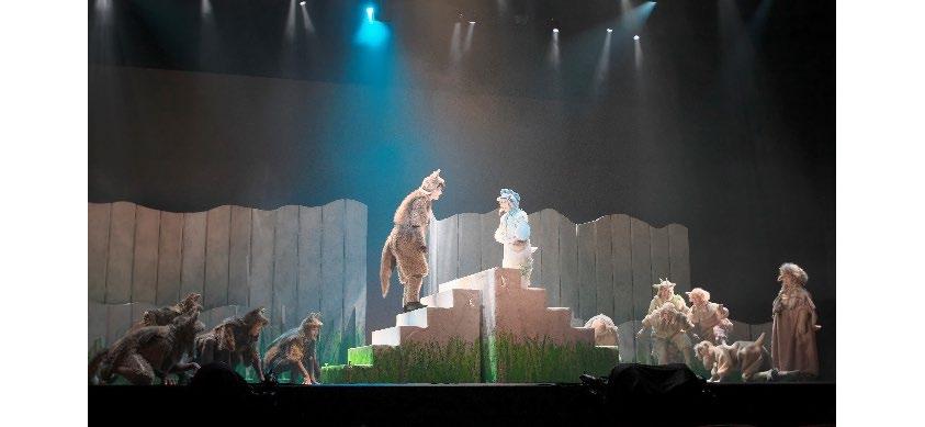 音楽劇『あらしのよるに』2019年公演より=撮影・青木司
