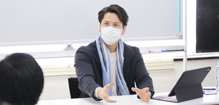 伊礼彼方さん=撮影・橋本正人