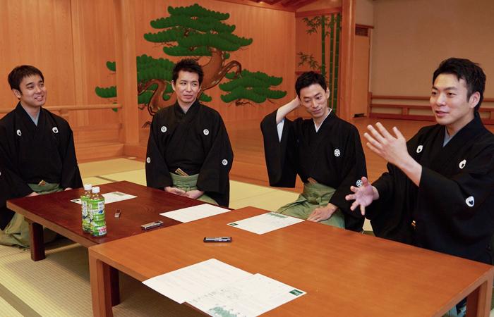 (写真左から)飯田豪さん、岡聡史さん、中村修一さん、内藤連さん=撮影・NORI