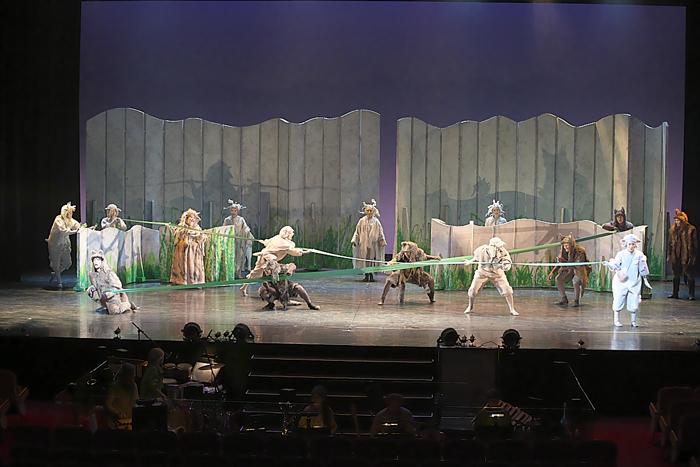 日生劇場ファミリーフェスティヴァル2021 音楽劇『あらしのよるに』ゲネプロより=撮影・青木司