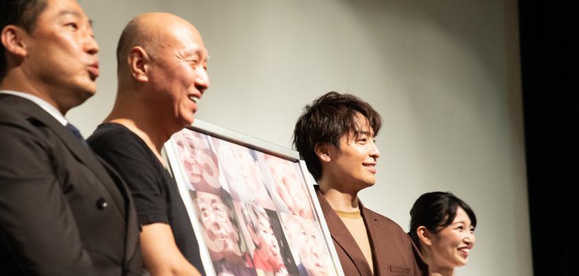 (左から)井内徳次さん、松本和巳監督、海宝直人さん、小野華那子さん=撮影・岩村美佳